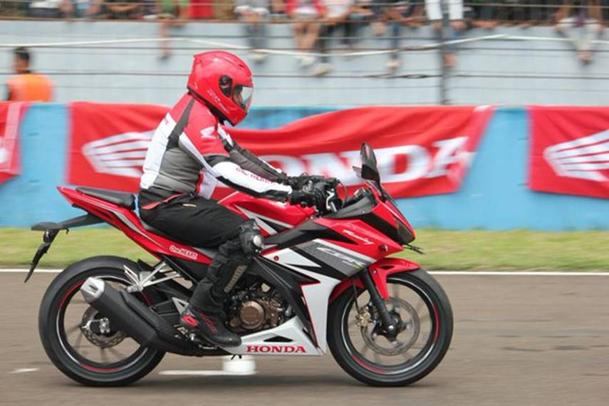 gambar all new CBR150R 2016
