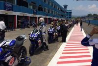 Lady bikers nunggang Vixion R ramaikan Sunday race