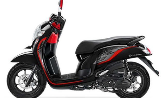 scoopy sporty hitam