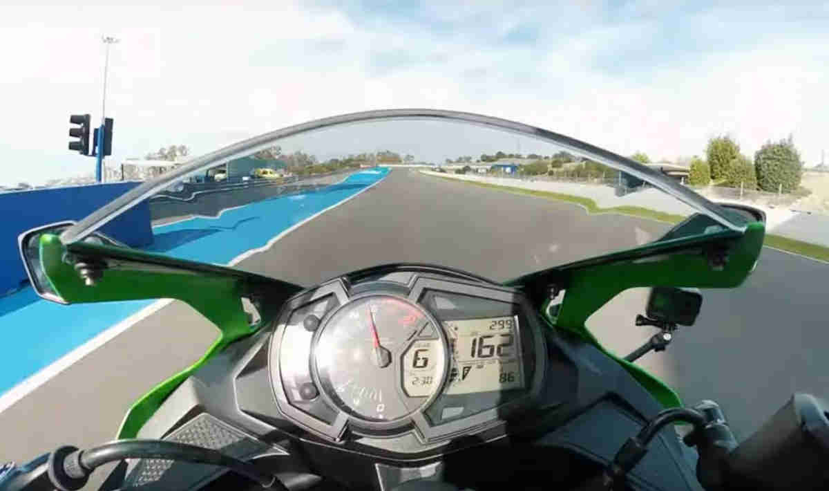 Top Speed Kawasaki Ninja ZX25R